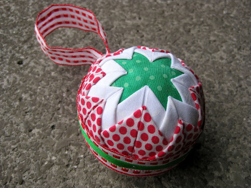 No sew Christmas ornament - tutorial