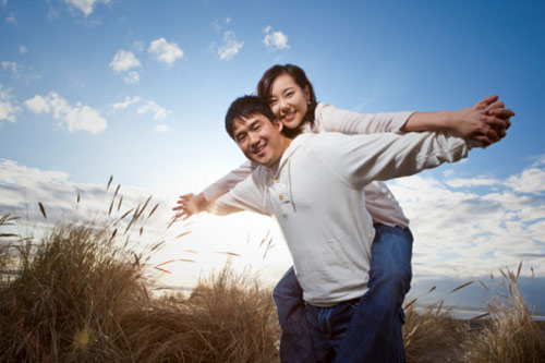 Những bài thơ hay viết về tình cảm, tình nghĩa vợ chồng hay nhất