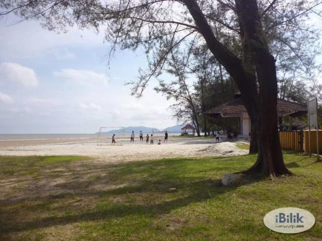 Pantai-Balok-Beach