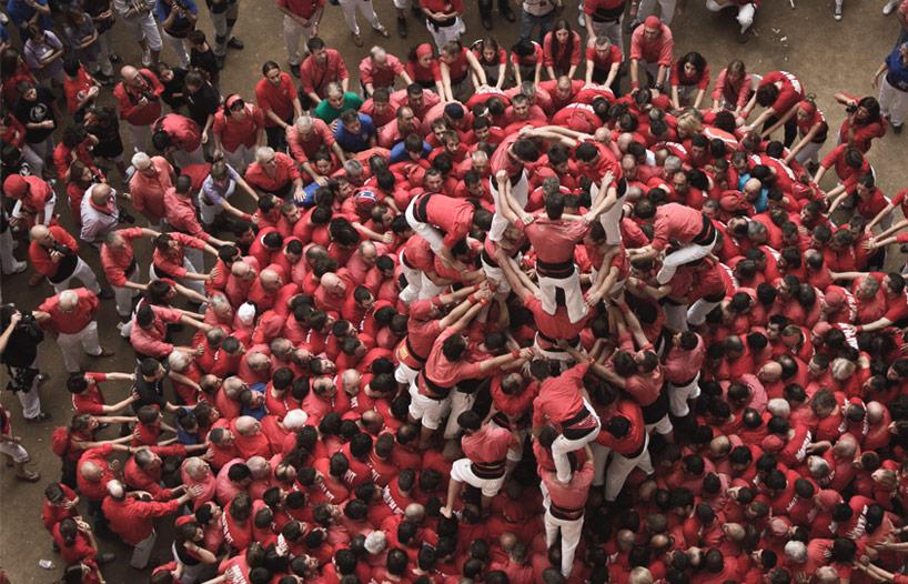 *西班牙塔拉戈納人塔堆疊運動:空拍壯觀景象! 4