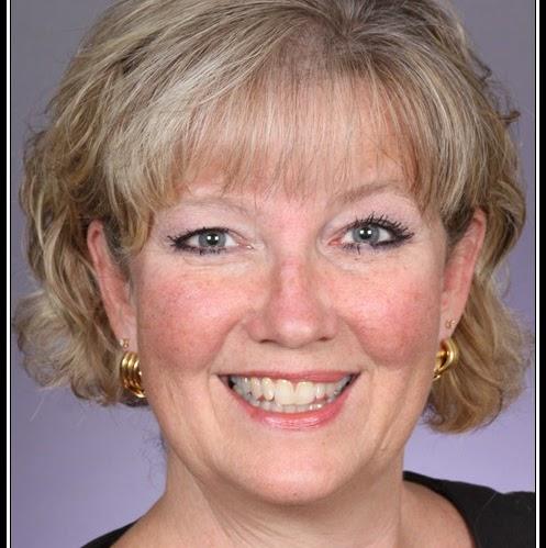 Debbie Mcgee Photo 32