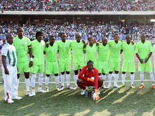 L'équipe de DCMP  le 20/05/2012 au stade des Martyrs à Kinshasa, lors du match contre Lupopo, score : 4-0. Radio Okapi/ Ph. John Bompengo