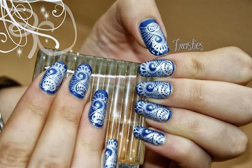 Ongle bleu + stamping argente