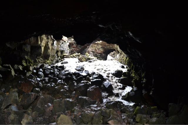 De laatste druppel van de bui valt waar grot en een - Isolatie grot enterree ...