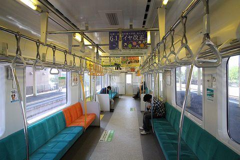 JR北海道 学園都市線 733系電車 車内
