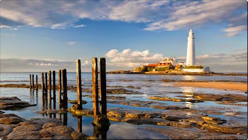 St Marys Lighthouse at Sunrise, Whitley Bay, Tyne and Wear, England.jpg
