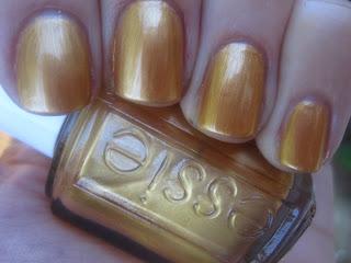 Essie Shift Power - אופנה - לק - Essie