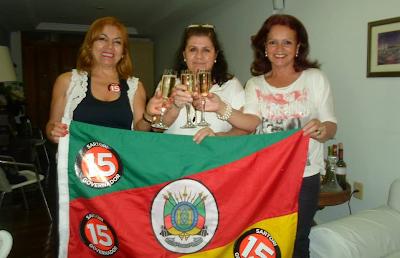 Iraci Zart, Gislaine Grecelle e Giselda Arteche comemoram a vit�ria de Sertori.