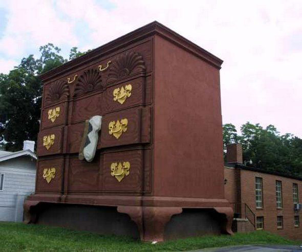 Edificio con forma de cómoda