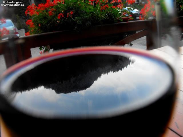 Suhardul Mic din paharul cu vin