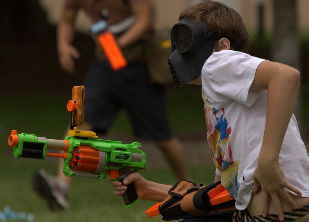 Kelvin Grove war pictures: December 18th   Picture heavy... Nerf%2Bwar%2B177