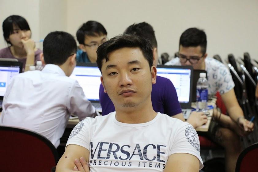 Học viên Bùi Đắc Sơn trong lớp học