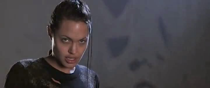 Screen Shot Of Hollywood Movie Lara Croft: Tomb Raider (2001) In Hindi English Full Movie Free Download And Watch Online at Alldownloads4u.Com