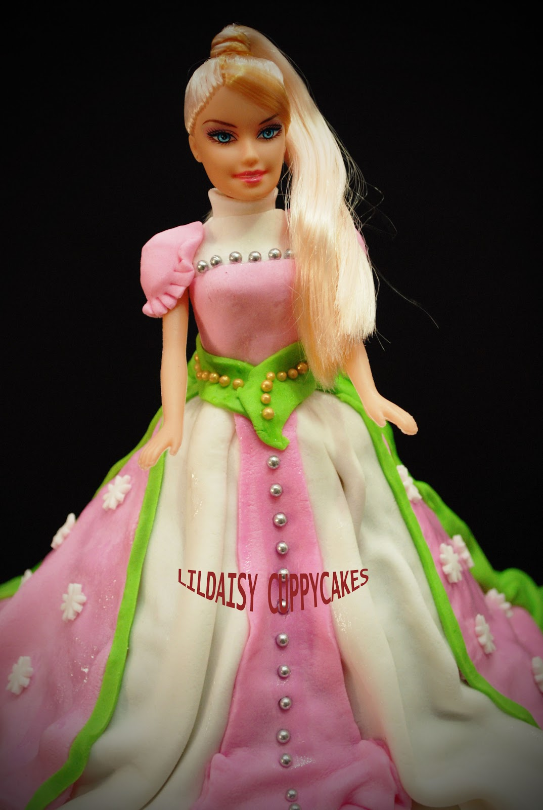 Each of our barbie cake weights about 2kg pricing are around