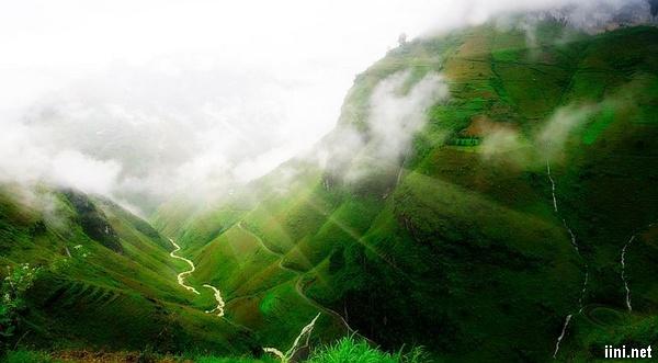 Thơ tình Mây và Núi