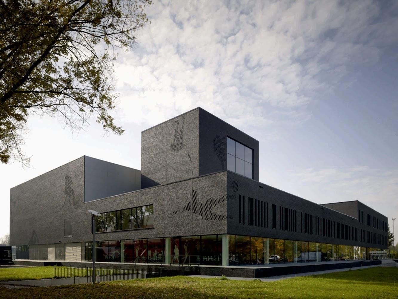 Atelier D Architecture Alexandre Dreyssé hq architecture: sport center