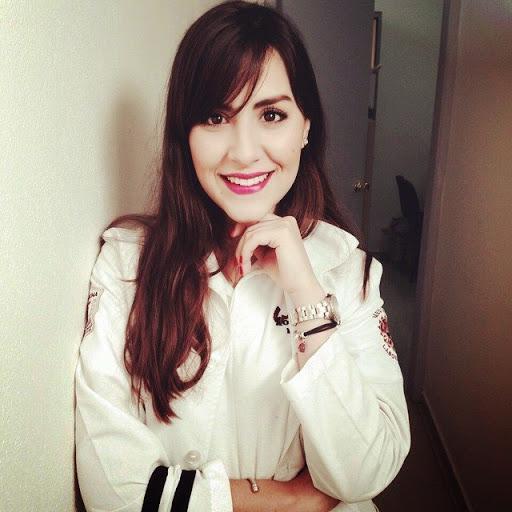 Adriana Badillo Photo 11