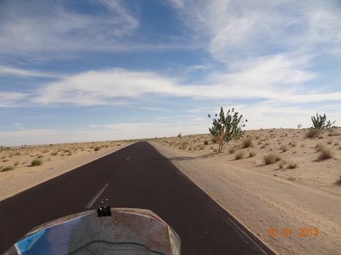 Marrocos e Mauritãnia a Queimar Pneu e Gasolina - Página 7 DSC06054