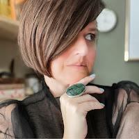 Liz Francis's avatar