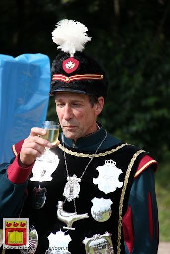 Koningschieten Sint Theobaldusgilde overloon 01-07-2012 (150).JPG