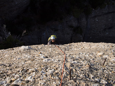 Clavijas exposades per acabar d'arribar dalt del Mallo San Jorge