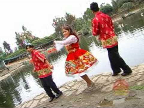 "Giovana Ulloa, la voz dulce de Cajabamba canta ""Presiento"""