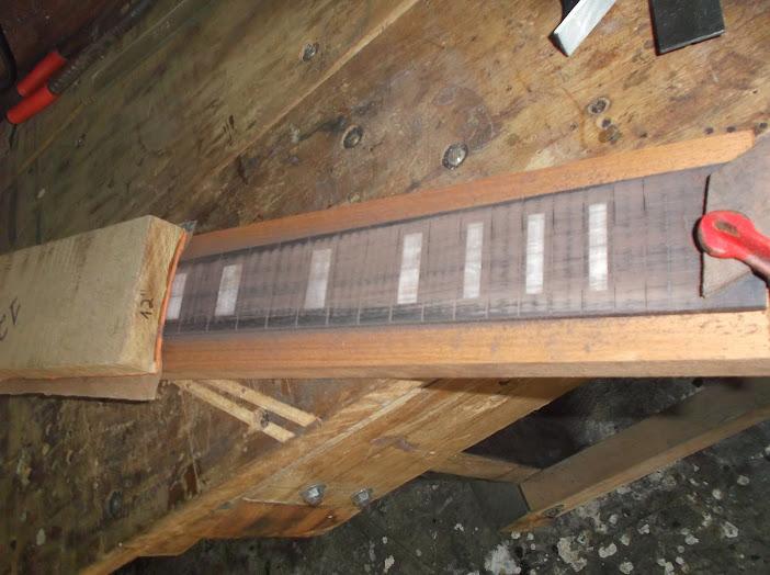 Construção inspirada Les Paul Custom, meu 1º projeto com braço colado (finalizado e com áudio) - Página 2 DSCF1009