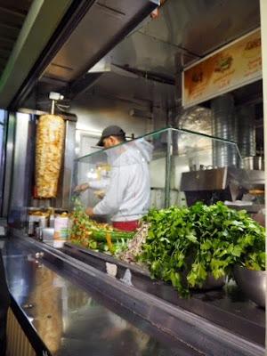 Dürüm, durum, gemusekebap, gemusekebab, kebab, döner, doner, berlin, berliini. paras kebab, best kebab, mustafas gemuse kebab, mustafas gemuse kebap, Mehringdamm, kreuzberg, Mustafa's Gemüse Kebap