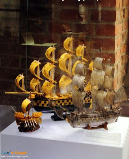 Muzeum Bursztynu w Gdańsku - bursztynowy statek