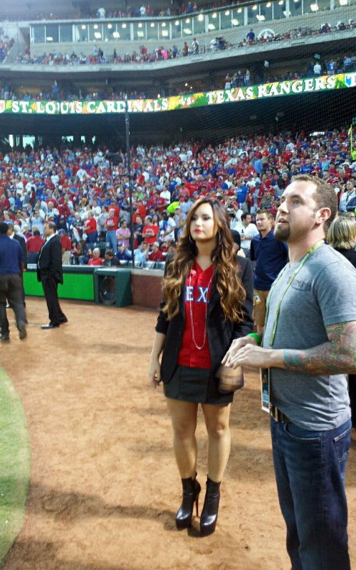 Blog De La Tele Demi Lovato Canta El Himno En Estadio