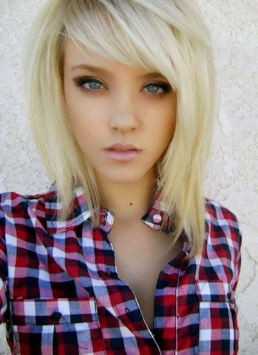 short hairstyles for blonde women
