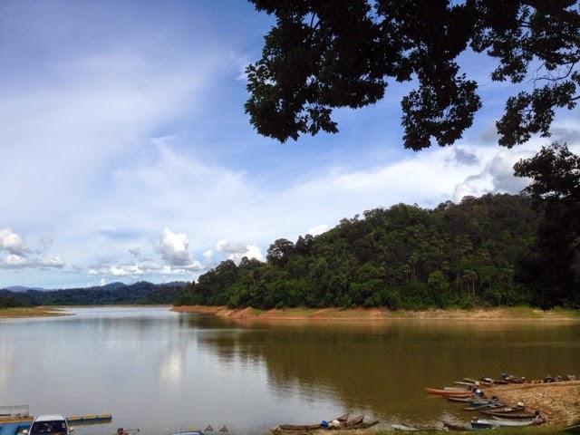 View at Pusat Pendaratan Ikan in Pedu Lake