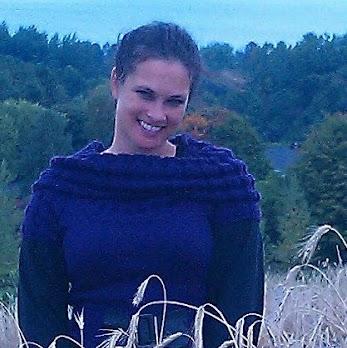 Julia Summers Photo 14