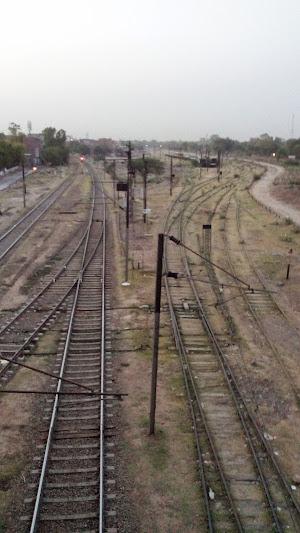 Tracks as viewed from Mian Mir Bridge