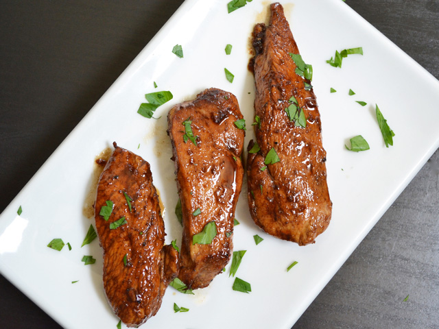 The sweet and tangy sauce on these Honey Balsamic Chicken Tenders is a quick way to jazz up simple chicken breasts. BudgetBytes.com