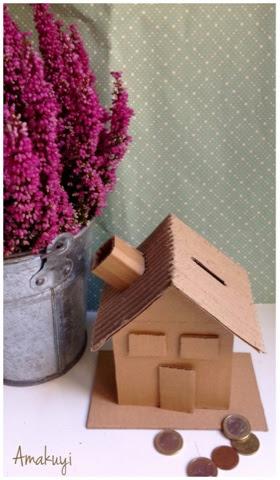 Hucha-cartón-reciclaje