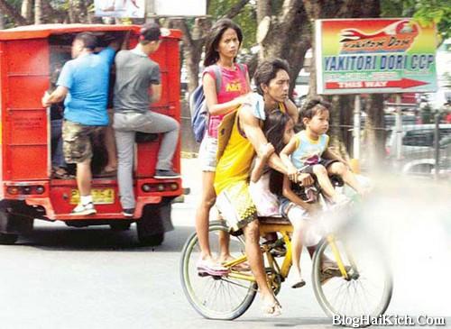 Chiếc xe đạp chở nhiều người