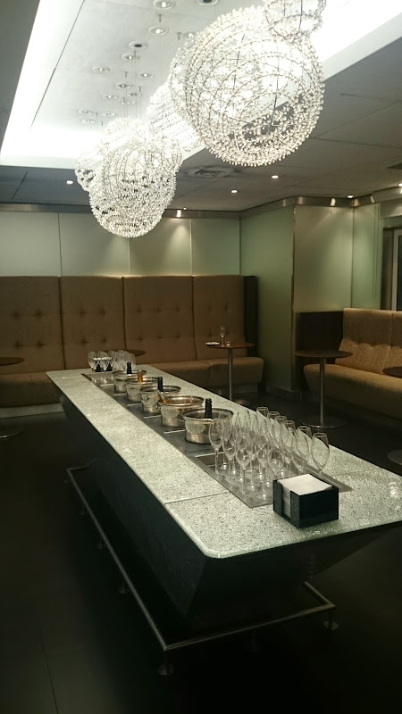 DSC 4580 - REVIEW - The Lounges of LHR T3 - EK, CX and BA (September 2014)