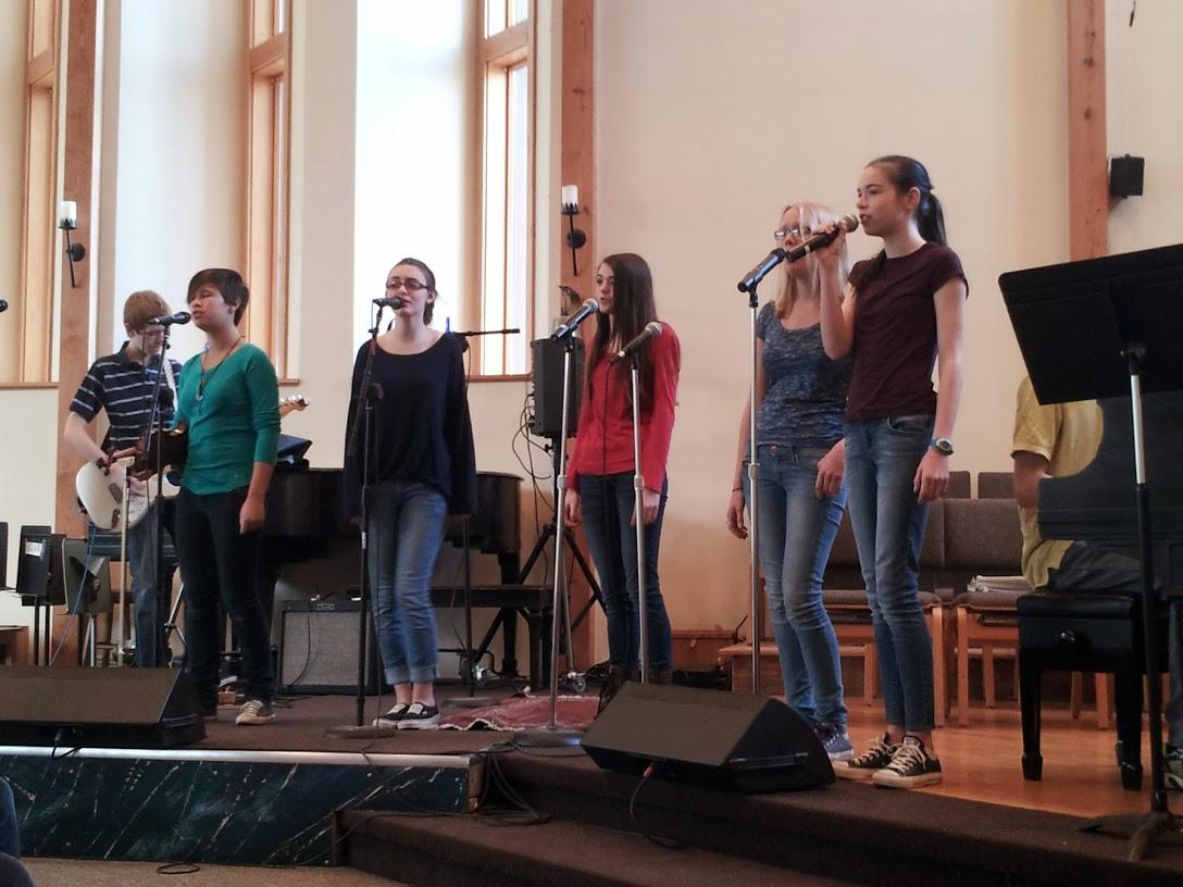 Youth singing at Bloomington RA 2014