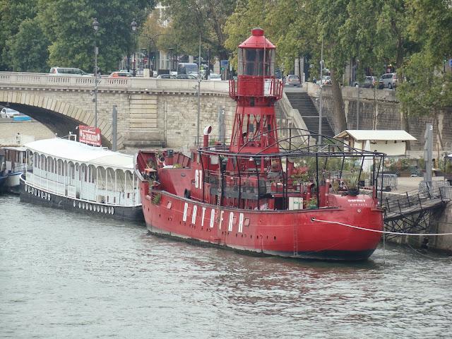 Pasarela Simone de Beauvoir, Sena, París, Elisa N, Blog de Viajes, Lifestyle, Travel