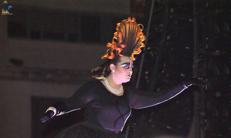 Color, fuego, música y emociones. Cridà 2012.