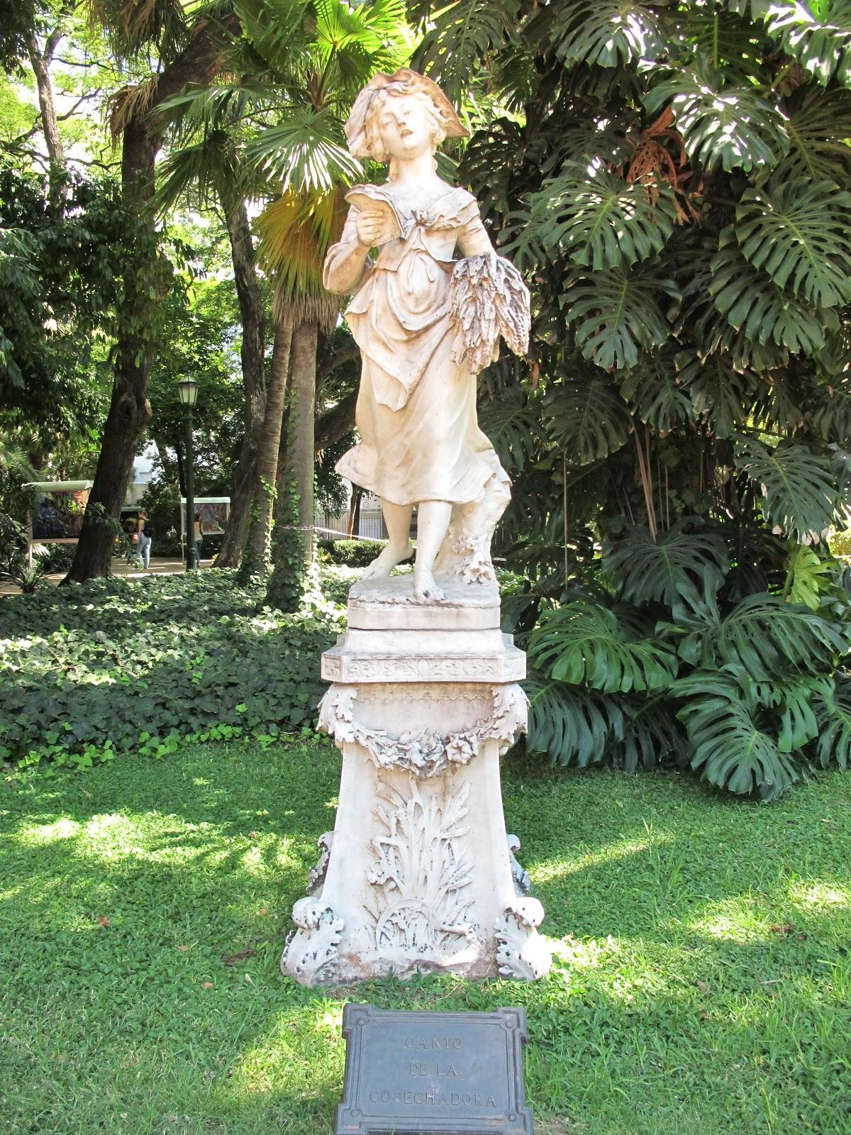 Edificios y monumentos de buenos aires escultura canto - Esculturas para jardines ...