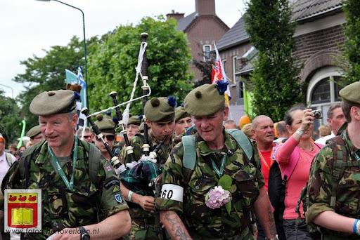 Vierdaagse van Nijmegen door Cuijk 20-07-2012 (51).JPG