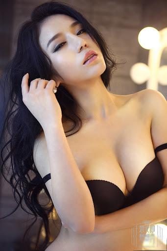 who makes the following lingeries sexy:lingerie, sex, sexy