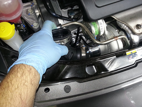Installing Fiat 500 Abarth Turbo Inlet Duct