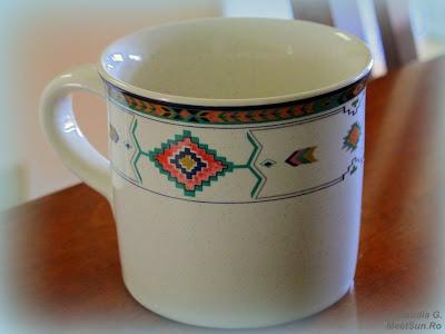 ceasca de cafea cu motive traditionale