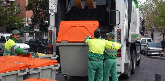 6,6 millones para la recogida de basuras en 14 distritos de la capital en octubre
