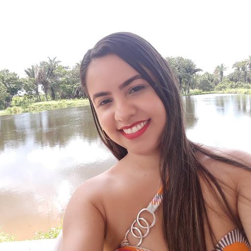 Christina Almeida Photo 23