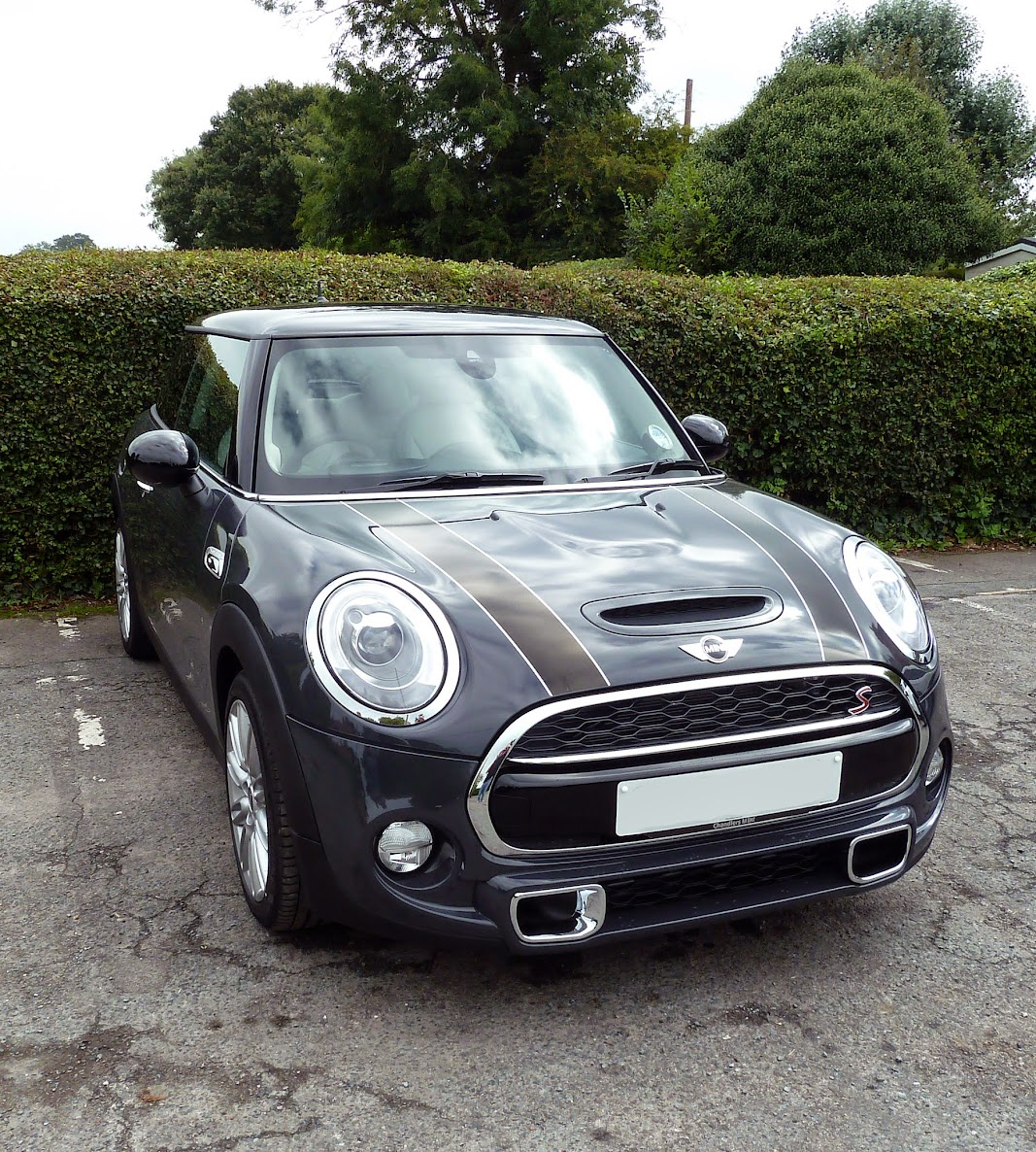 Decal colour on a thunder grey page 2 2015 mini cooper for Chrome line exterieur