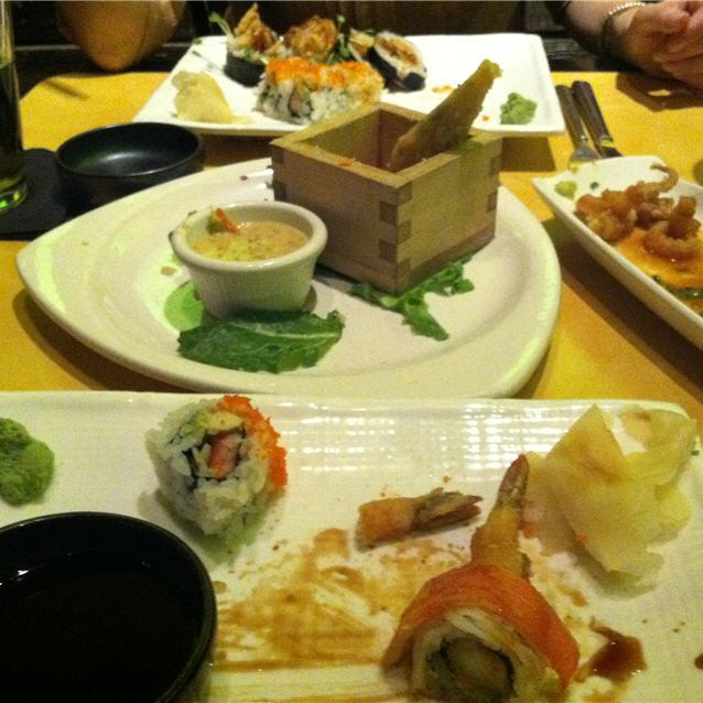 Mikimotos Asian Grill sushi
